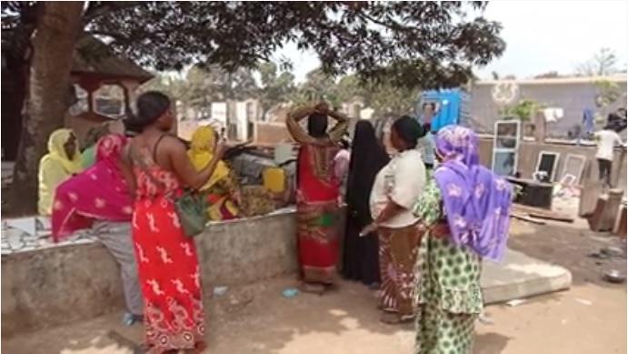 Les larmes des femmes victimes de Kaporo rails