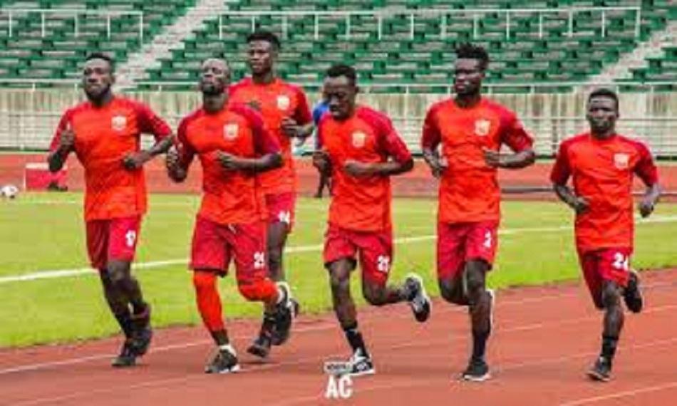 Coupe CAF : le Horoya domine Bandari et accède aux phases de groupes