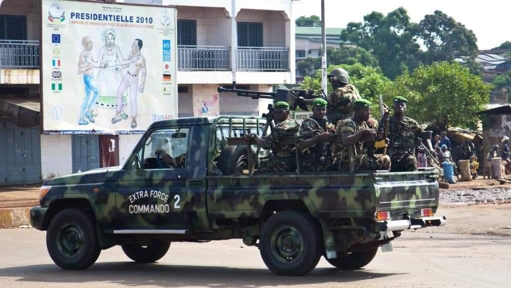 Guinée : des militaires comparaissent pour attaque du BSB au camp Alpha Yaya Diallo