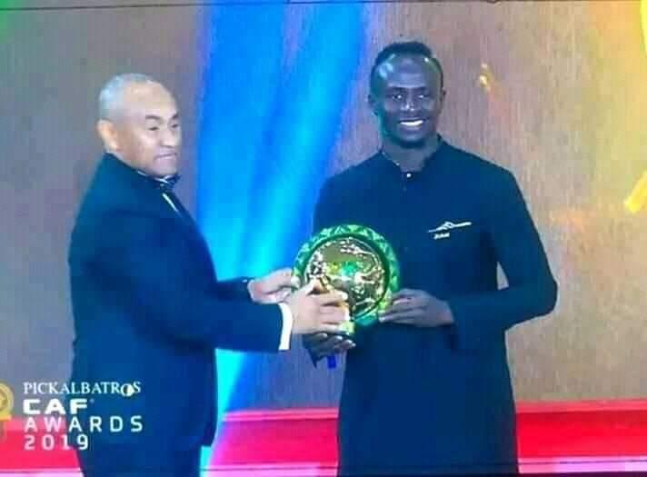 CAF AWARDS 2019 : Sadjo Mané rafle la mise face à l'Egyptien Mohamed Salah