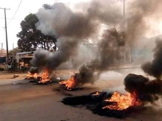 Journée de manif en Guinée : le gouvernement dresse un premier bilan qui se résume aux vandalismes
