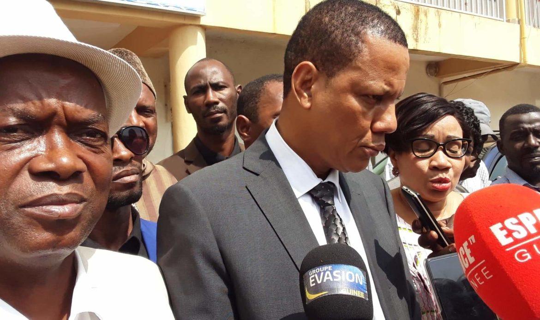Ses membres arrêtés, le SLECG rompt les négociations avec le gouvernement