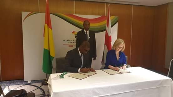 Londres, 20 Janvier 2020 : Le président Alpha Condé signe un important accord dans le domaine d'un projet minier intégré