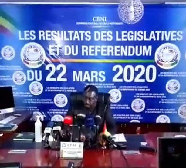 Résultat du référendum contesté en Guinée :  91,59 % de « OUI », selon la CENI