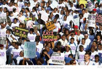 Dans l'ombre du coronavirus, la menace d'une explosion du sida en Afrique