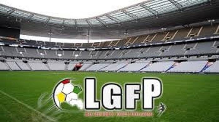 Football: les championnats nationaux de Ligue 1 et 2 risquent de mourir faute de financements