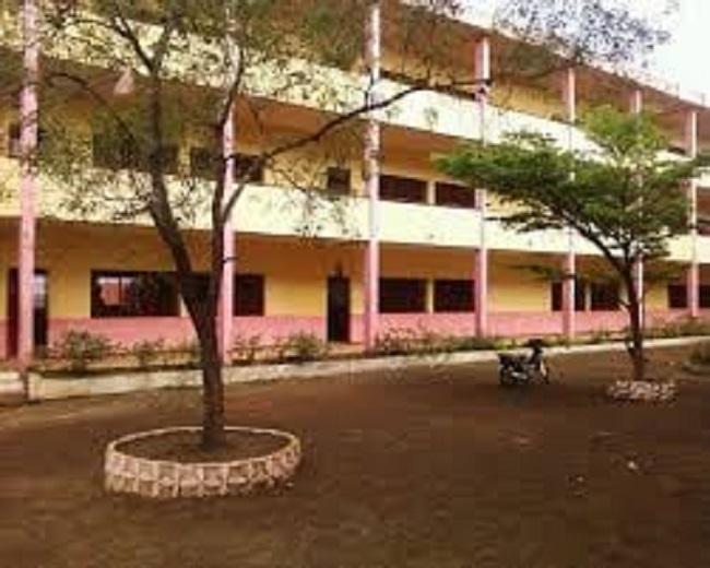 Réouverture des classes : début difficile dans plusieurs écoles de Conakry