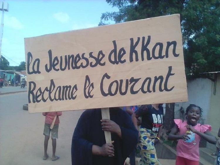 Kankan: le siège du RPG, symbole du parti au pouvoir, vandalisé par les manifestants