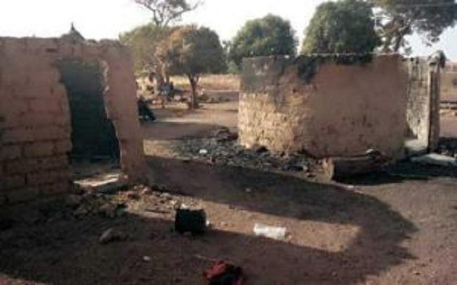 Pour une femme, deux villages s'affrontent à Mandiana: un mort et une cinquantaine d'habitations calcinées