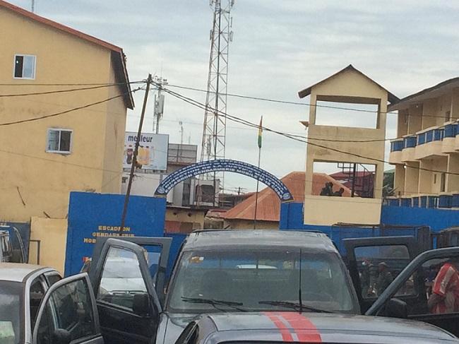 Guinée : les postes de police et de gendarmerie sont-ils devenus des mouroirs pour les détenus ?