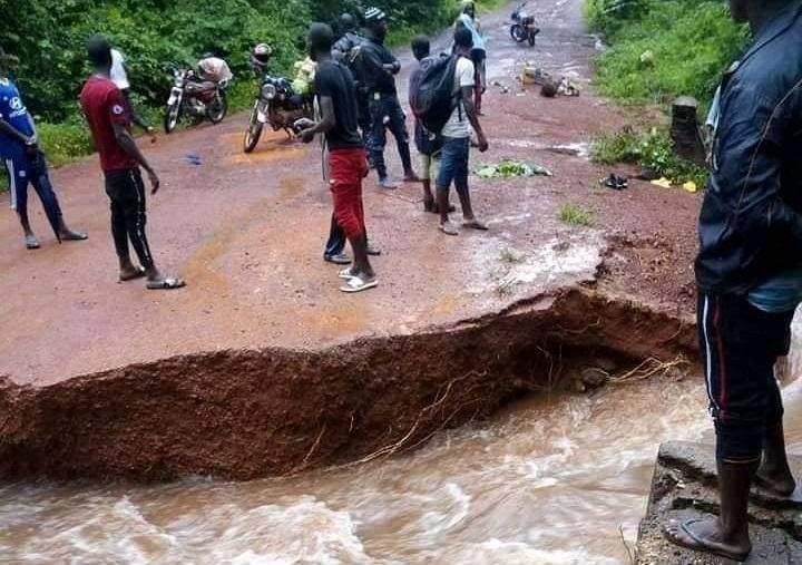 Telimélé coupée de Kindia : Un pont a cédé…