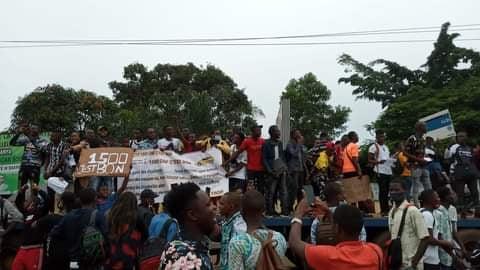 Covid-19-Transport/culture : face à la pression de la rue, le gouvernement guinéen recule