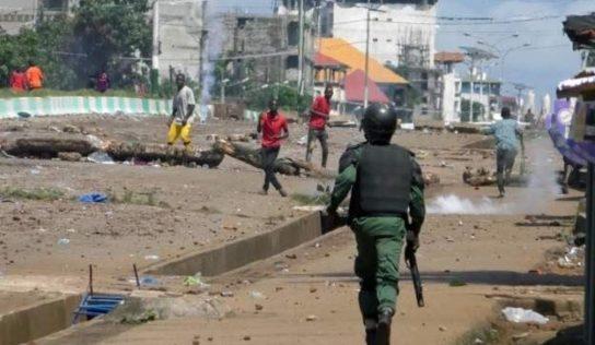 """Les États-Unis s'inquiètent des résultats """"incohérents"""" de la présidentielle en Guinée"""