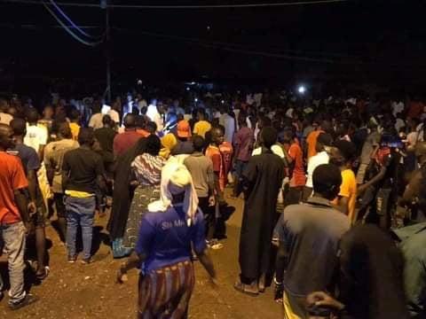 Conakry : des partisans de Cellou Dalein Diallo célèbrent « la victoire de leur candidat»