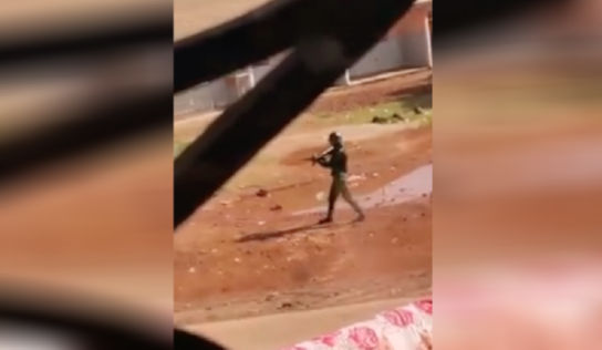 """Présidentielle en Guinée : """"J'ai vu des gendarmes tirer en direction de manifestants"""""""