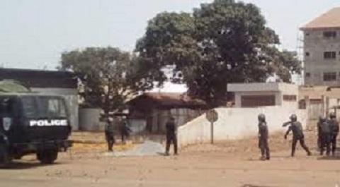 Un « sacrifice pour tromper l'opinion publique », le FNDC réagit au meurtre du policier à Wanindara
