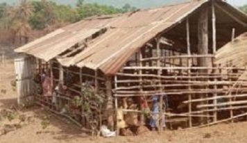 Le ministre Bano Barry révèle qu'il ''y a 1118 écoles hangars en Guinée''