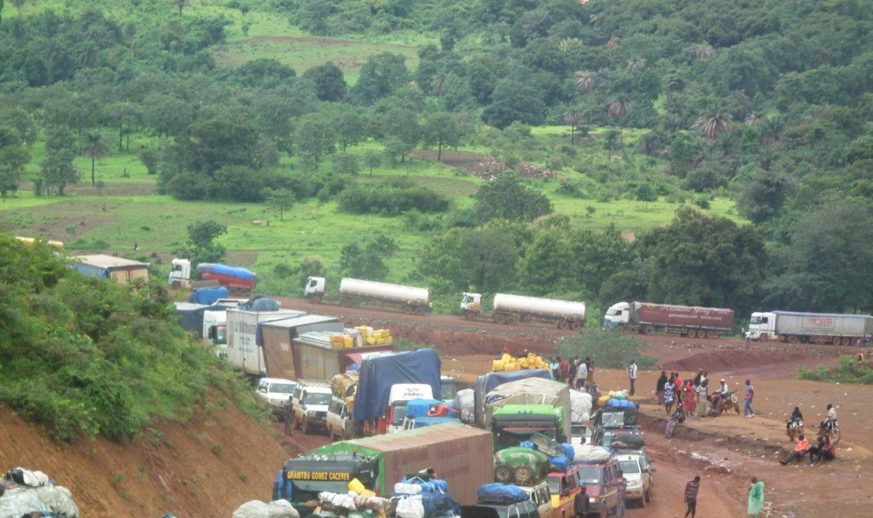 Le bourbier de Yombokhouré, sur la Nationale Conakry-Mamou un véritable calvaire pour les usagers de la route