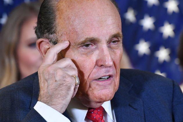 """L'assaut du Capitole est la faute de """"Game of Thrones"""" pour Rudy Giuliani"""