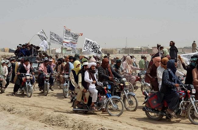 L'Afghanistan et le Pakistan à couteaux tirés, sur fond d'offensive talibane