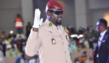 Coup d'Etat/En Guinée, le putschiste Doumbouya donne des gages